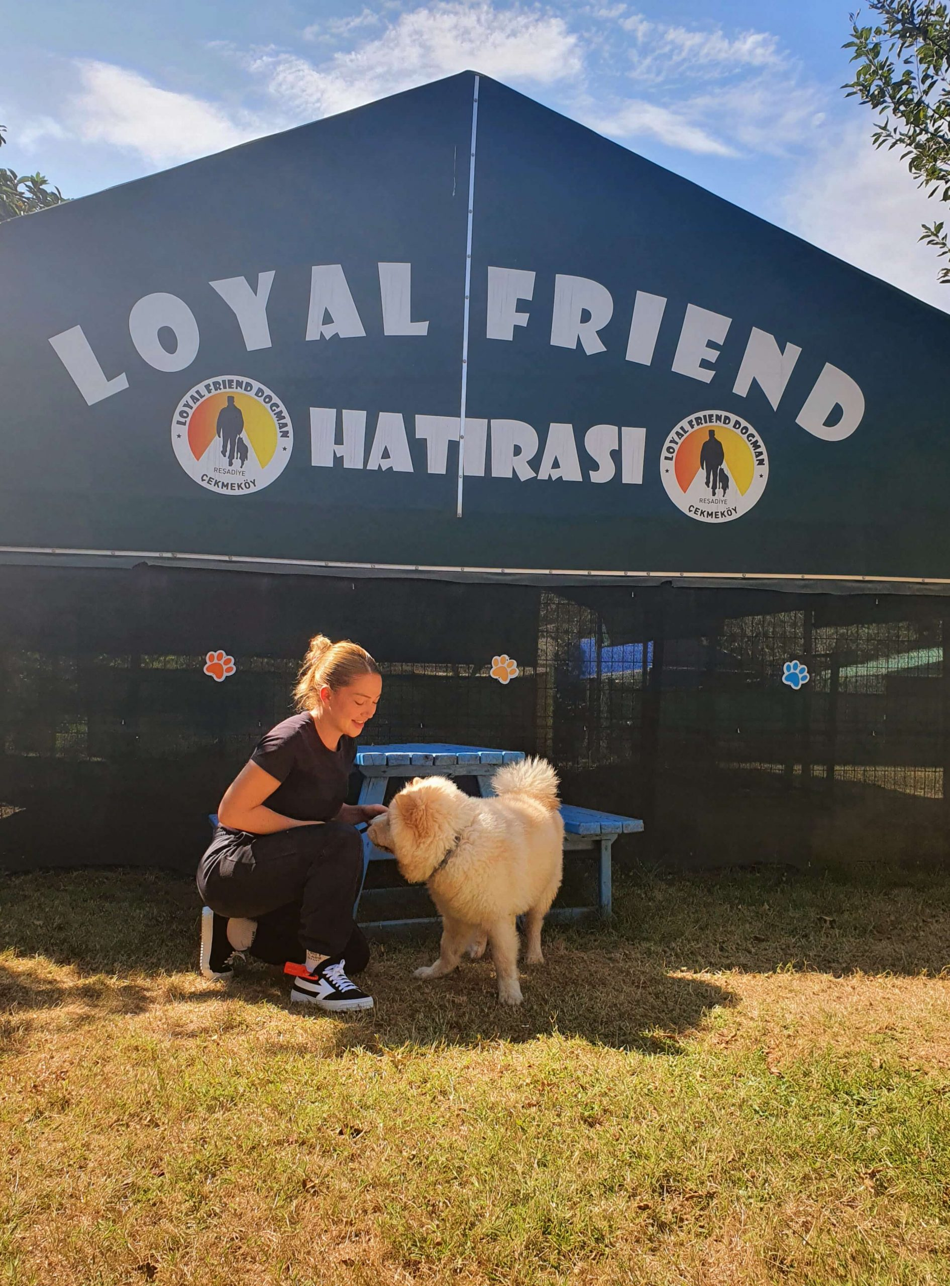 Danla Bilic de köpeğini Loyal Friend'e emanet etti.